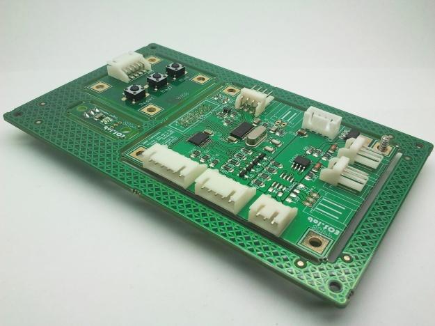 Panel compuesto con kit de control de TFT visto desde conectores.