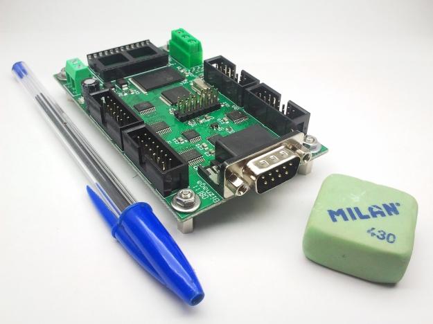 Tarjeta de control de display LED modelo Biznaga con testigométricos.